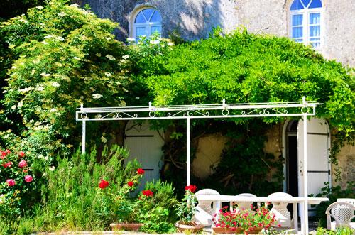 jardin maison d'hotes ardèche gite chateau de lemps